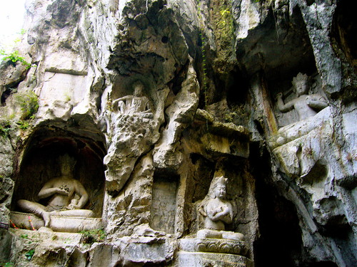 The Feilai Feng Grottoes (飞来峰)