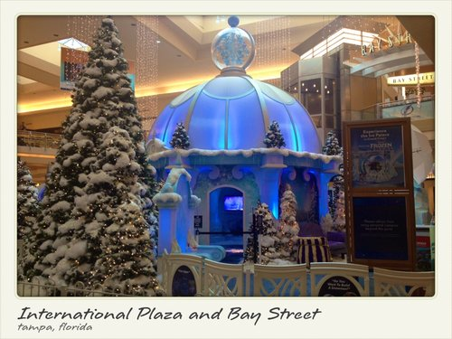 International Plaza e Bay Street